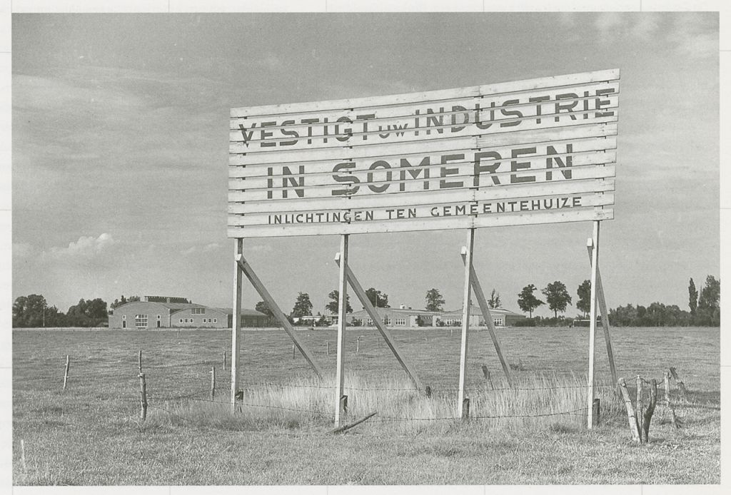 Since mechanisation and rationalisation of agriculture led to a decline in employment, an industrialization policy was introduced to stimulate the generation of new jobs, by supporting industries to settle in the countryside.