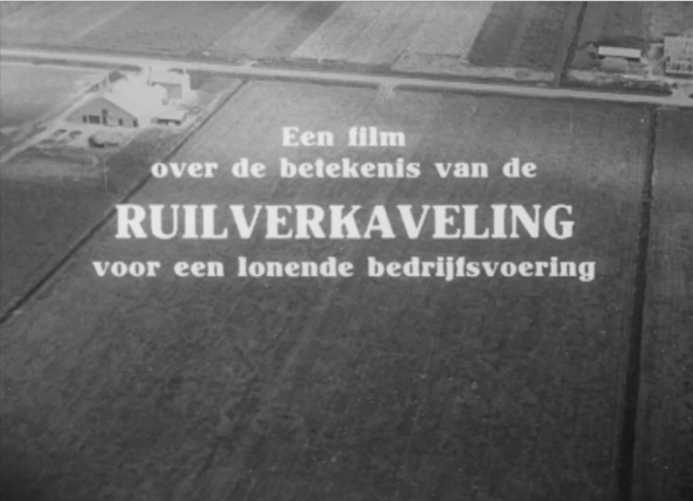 The execution of these plans was accompanied by an extensive information campaign aiming at 'civilizing' the rural population, and informing farmers about innovations in agriculture and their subsequent spatial implications on the landscape. Film was one of the key tools used. Image: Still 'Van Oud naar Nieuw', Beeld en Geluid, 1957.